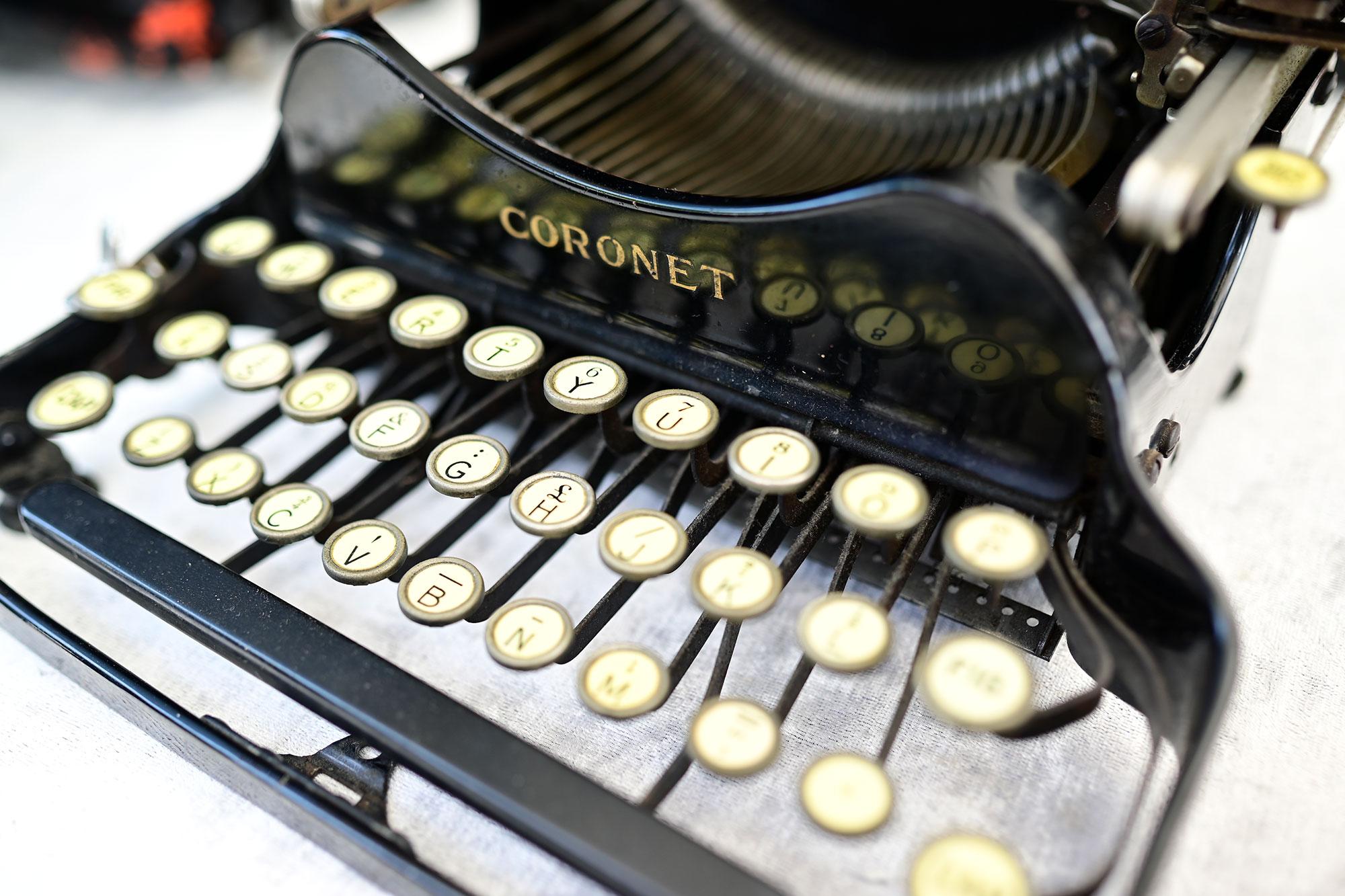 macchina da scrivere coronet