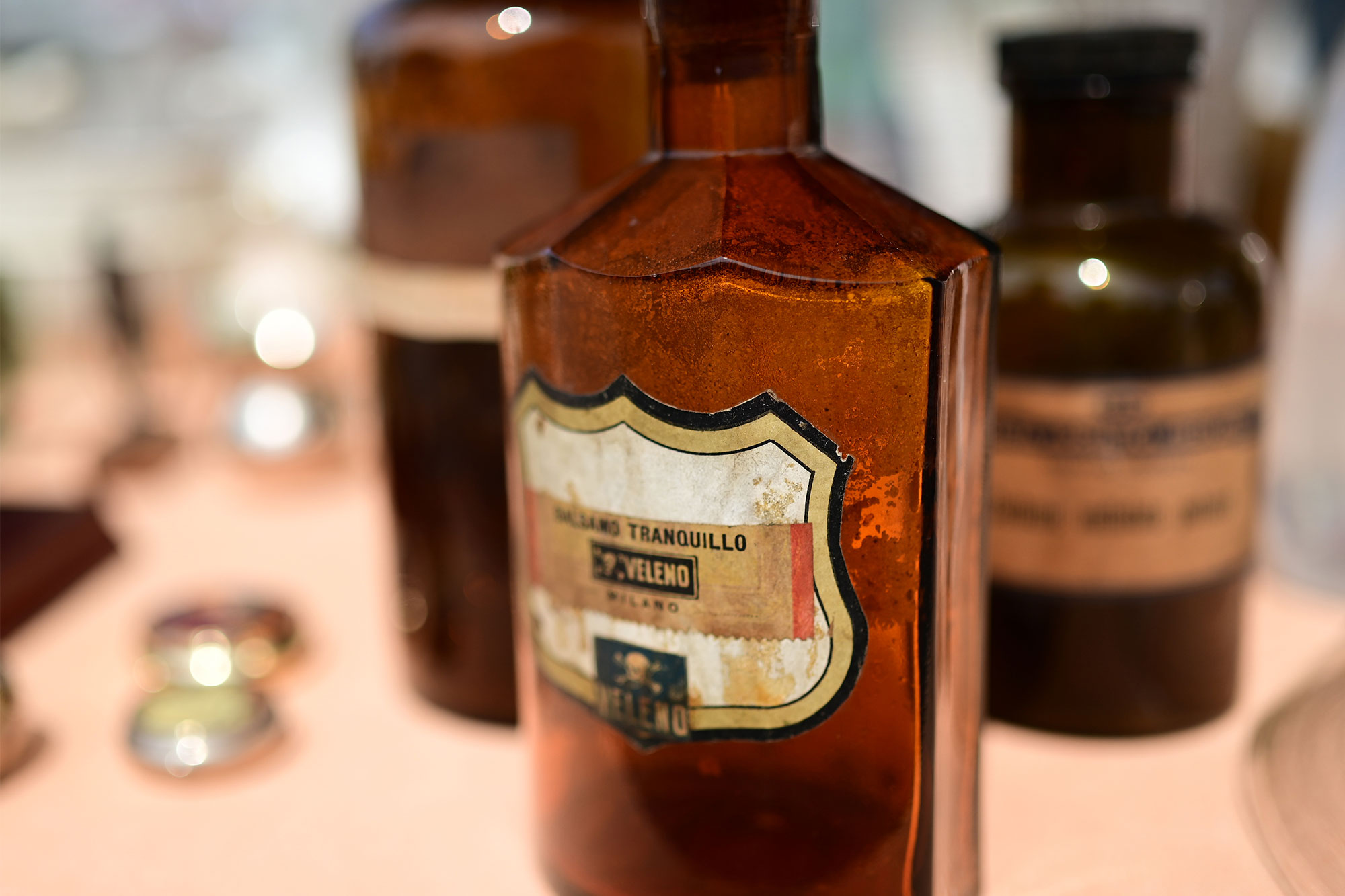 bottiglie veleno vintage